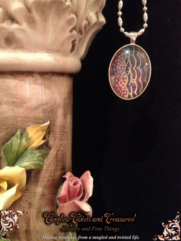 """""""Papers"""" Chiyogami 106 Oval Silver Pendant"""