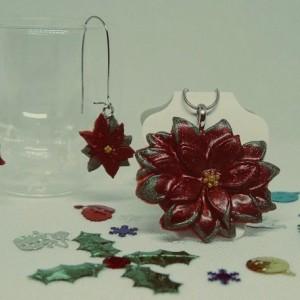 Red poinsettia dangles, X-mas Flower Earrings, Christmas Jewelry, Christmas Dangle Earrings