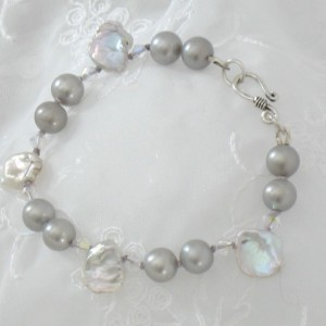 Elegant Beautiful Eclectic Keishi AAA 7.5mm Gray Freshwater Pearl knotted Swarovski Sterling Silver Bracelet