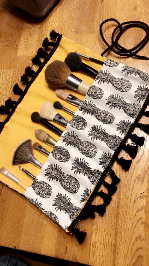 Makeup Brush Roll Case Yellow & Black Pineapple with Tassels