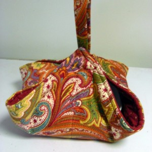 Red Paisley Casserole Carrier Tote