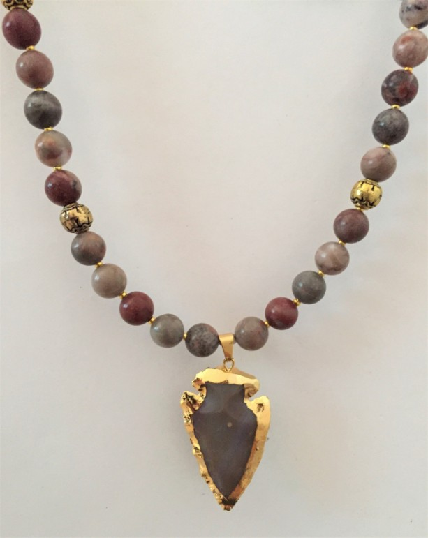 Gorgeous Agate Beaded Necklace with Agate Arrow Pendant