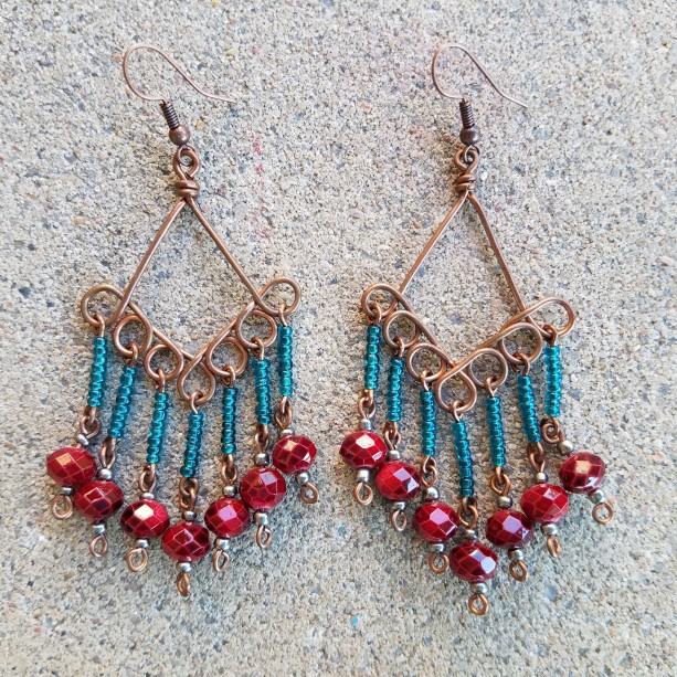 Kite cluster in teal and red