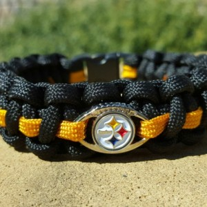 Pittsburg Steelers Paracord Bracelet NFL Officially Licensed Charm