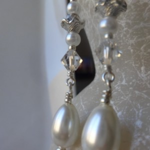 Elegant Teardrop Dangle Earrings