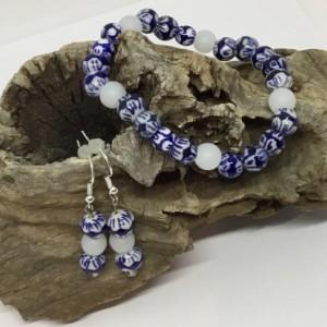 Blue bracelet and earrings, Beach theme bracelet, White bracelet, Matching earrings, Boho bracelet, Gift for Mom, Gift for her