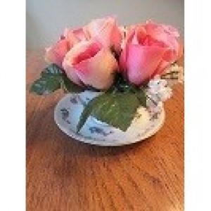 Tea Cup Flower Arrangement 7 Large Roses