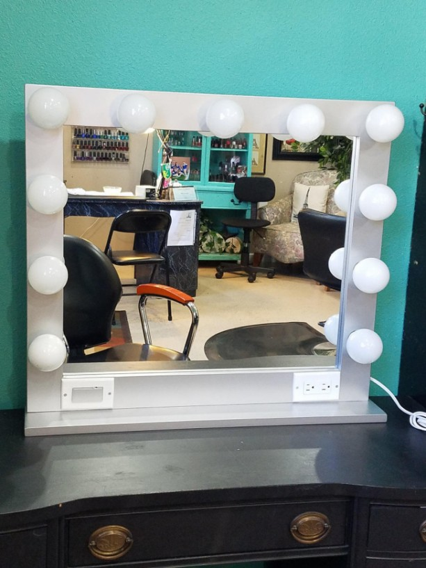SILVER  32 X 28 Lighted Hollywood style Glamour vanity mirror