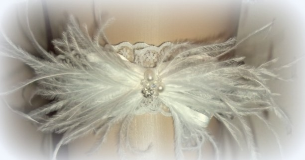 Garter,Wedding Garter, Bridal Garter, Feather Garter, Lace Garter, Brides Garter, Garters, Ivory Garter, White Garter, Gifts for Her