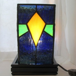 Diamond Pattern Stained Glass Lamp
