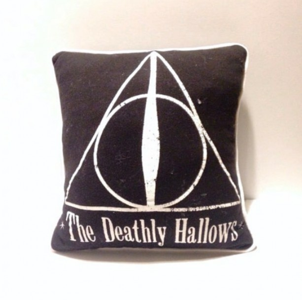 Harry Potter The Deathly Hallows T-shirt pillow
