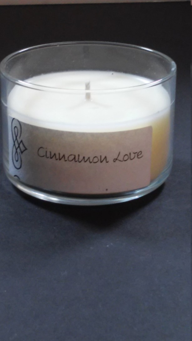 Cinnamon Love 4oz Scented Candle by Sweet Amenity Fragrances