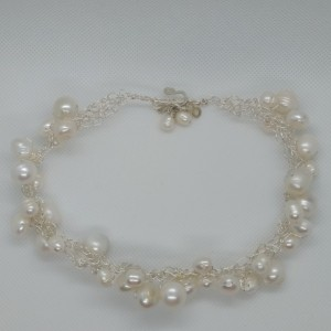 fresh water pearl shoker/bracelate