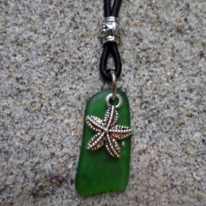sea glass necklace green w. starfish charm
