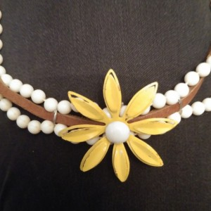 Vintage Daisy Necklace