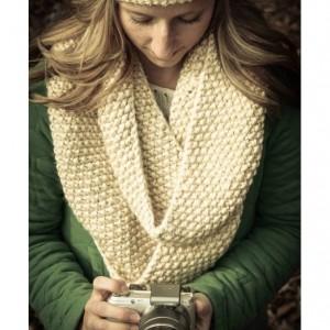 seed stitch infinity scarf