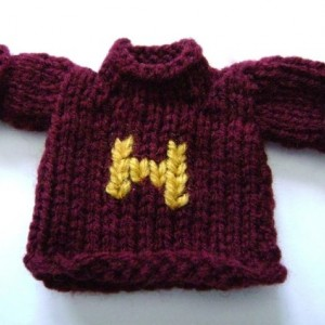 Mini-Weasley Sweater Ornaments