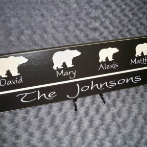 Personalized Family Name Sign, Bear Sign, Cabin Sign, Family Name Sign, Family Member Sign, Last Name Sign, First Name Sign, Name Sign