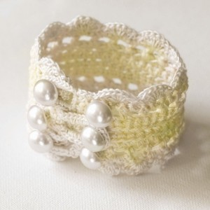 Girly-girl cuff Crocheted Cotton Cuff - 201