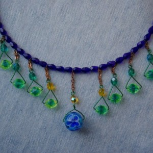 Memory wire with blue and green