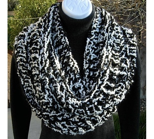 INFINITY SCARF Loop Cowl, Black & White Extra Thick Bulky Long Warm Soft Crochet Knit Winter Circle, Neck Warmer..Ready to Ship in 2 Days