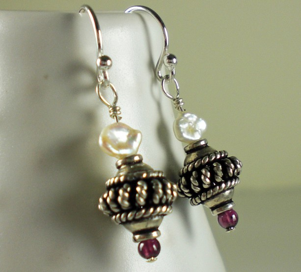 Bali Sterling Silver, Petite Pearl & Garnet Earrings,bali earrings,silver earrings,garnet earrings,earrings online,pink,red,silver and red