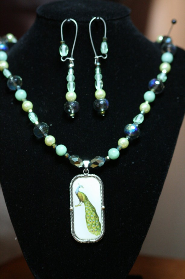Green Peacock green glass beads and glass pearls Necklace and Earring Set OOAK