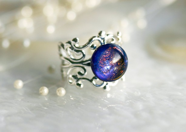 Filigree Ring with Dichroic Fused Glass Stone R009