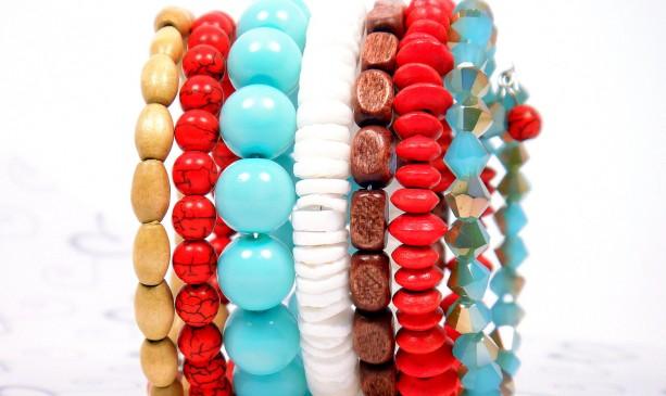 Beach Bead Cuff, Mint Green Red Cuff, Mint Green Bangle, Summer Beach Cuff, Wood Bead Cuff, Beaded Wrap Cuff, Trendy Teen Bracelet