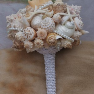 Bouquet/boutonniere Set  Bridesmaid Seashell Bouquet / Beach Bouquet/ Destination Bouquet/ Seaside Bouquet/ Summer Bouquet/ Wedding Bouquet