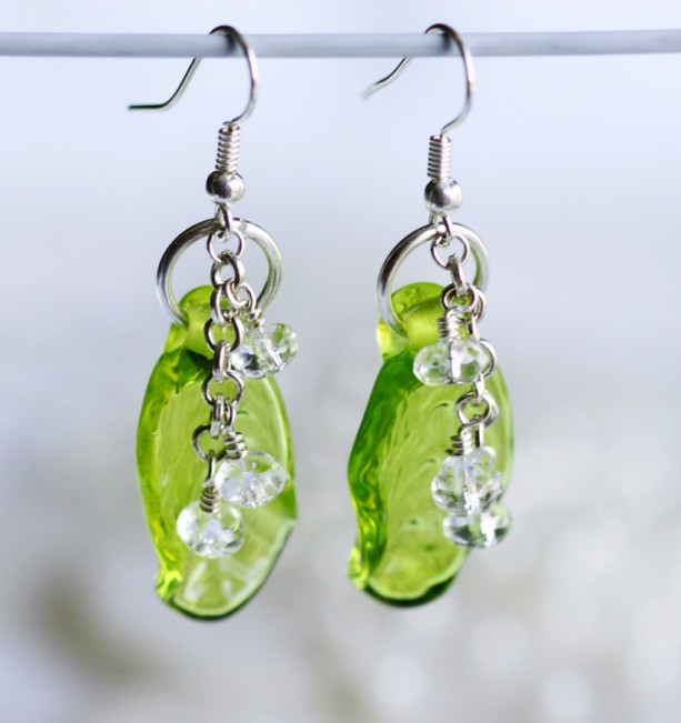 Lampwork Leaf Bead Drop Dangle Earrings ER090