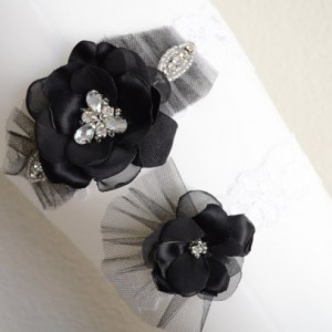 READY TO SHIP, Black flower, Garter set, Black and white flower,Tulle,beaded rhinestone,Rhinestone Garter, Style C009