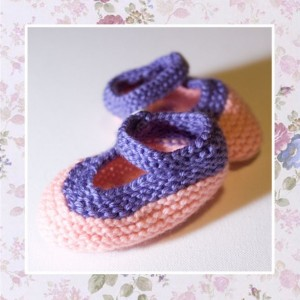 PANSY PEACH - Hand Knitted Booties in Peach and Lilac