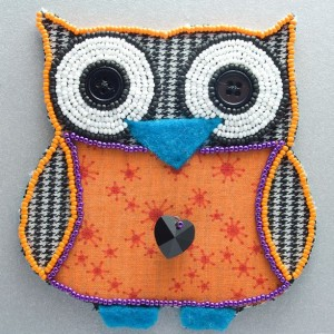 Litte Beaded Owl // Houndstooth // Bead Embroidery