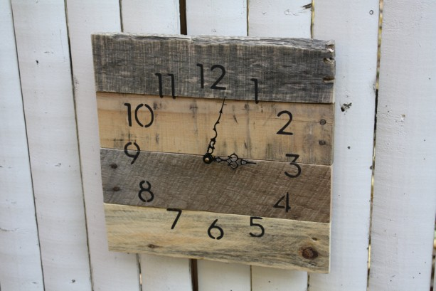 MODERN Meets RUSTIC Custom Rustic, natural reclaimed wood clock. No paint  No stain. MODERN Meets RUSTIC Custom ... - Rustic, Natural Reclaimed Wood Clock. No Paint No Stain. MODERN M