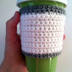 Travel mug cozy, crochet cozy, non slip cozy, coffee mug cozy, coffee cup cozy, white and grey, white and gray