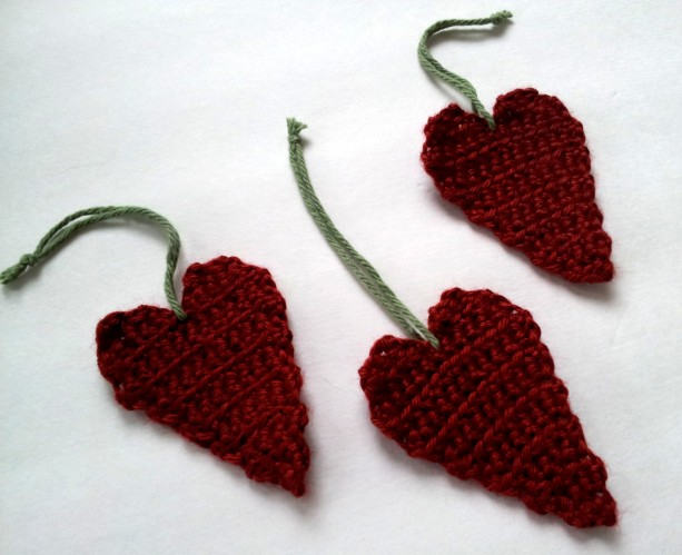 Crochet heart ornament, red ornament, set of 3, gift under 15, gift for your love, Valentine's Day gift
