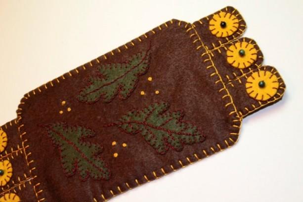 Handmade Penny Rug, Autumn Mug Rug, Autumn, Fall leaves dark brown