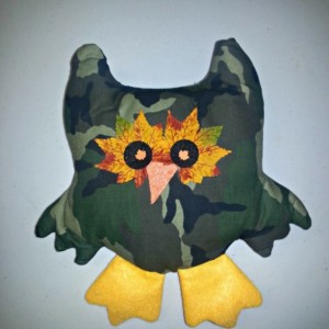 Camo pillow owl decor country look