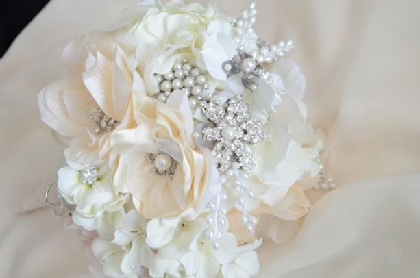 READY TO SHIP,Flower Brooch Bouquet,Heirloom bouquet,Bridal brooc ...
