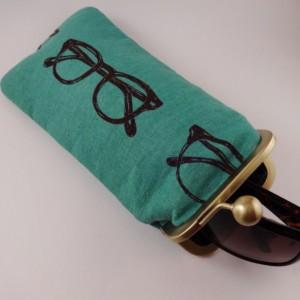 Eyewear / Crochet Hook Pouch