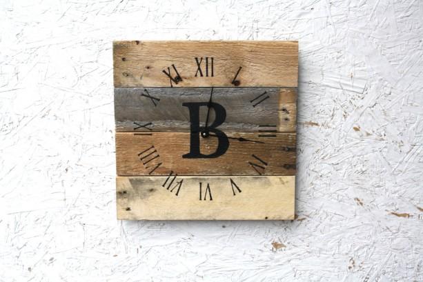 Modern yet Rustic MONOGRAM Pallet Wood Wall Clock. Choose Your Letter.  Rustic.   Wedding.  Housewarming.Gift.
