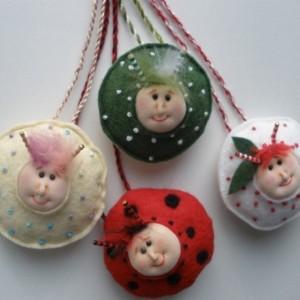 Pendant, wool felt Shamrock bug, needle felted necklace, statement necklace,St Patricks Day