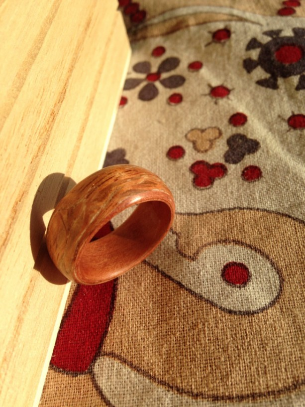 Bentwood ring exotic tineo and lacewood