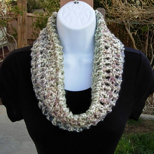 SUMMER COWL SCARF, Off White Purple Blue Pink Cream, Small Short Infinity Circle Loop, Soft Acrylic Crochet Knit Necklace, Ready to Ship in 2 Days