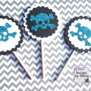 12 blue glitter skull tags, white on black party thank you tags