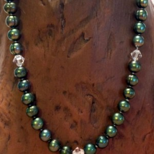 Premium Handknotted Green Pearl and Crystal Necklace