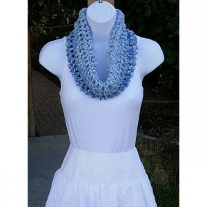 SUMMER COWL SCARF Light Blue & White Small Short Infinity Loop, Soft Handmade Crochet Knit Circle, Lightweight Neck Warmer, Ready to Ship in 3 Days