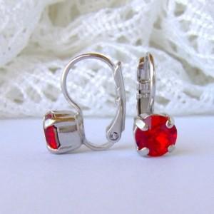Ruby rhinestone earrings / siam red / 6mm / leverback