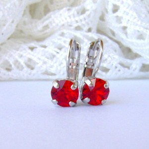 Ruby rhinestone earrings / siam red / 6mm / leverback
